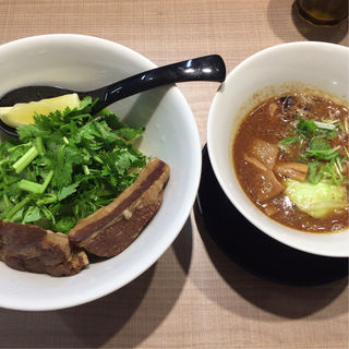 GaGaNaホルモンつけ麺レディースサイズ+パクチートッピング(ガガナ ラーメン (Gagana RAMEN))