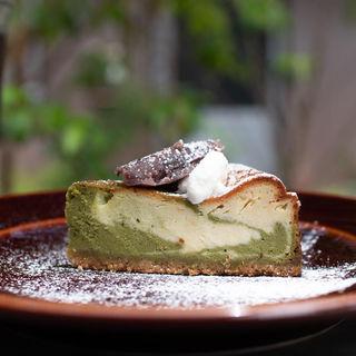抹茶とホワイトチョコとあんこのチーズケーキ(パーランド (parland))