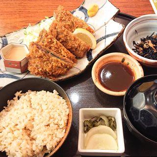 ミルフィーユのトンカツ定食(板前ごはん 音音 ラゾーナ川崎店 (オトオト))