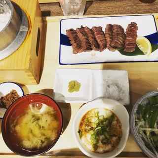 牛たん焼き定食(土佐わら焼き 龍神丸 西風新都店)
