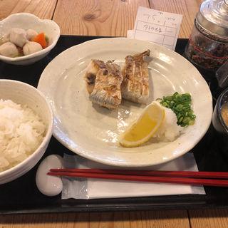 白魚塩焼き定食(梅山鉄平食堂 )