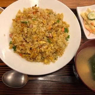 カレーチャーハン(つるかめ食堂 歌舞伎町店 (つるかめしょくどう))
