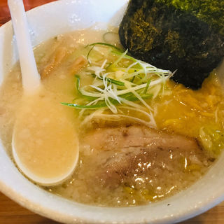 しょうゆらーめん(麺や 白 本店)