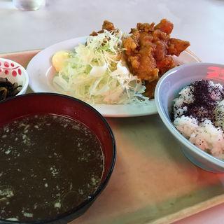 鶏唐定食(波止場食堂 出田町店 )