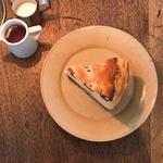 さくらんぼのベイクドチーズケーキ