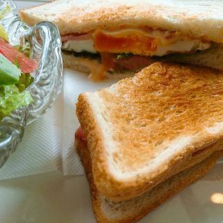 ベーコンエッグトーストサンド(プランタン )