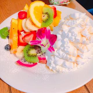 トロピカルフルーツパンケーキ(Hawaiian Pancake Factory 新宿ミロード店 (ハワイアンパンケーキファクトリー))