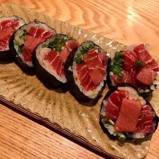 赤身と中トロの海苔巻き寿司 ハーフ(和食 日なた )