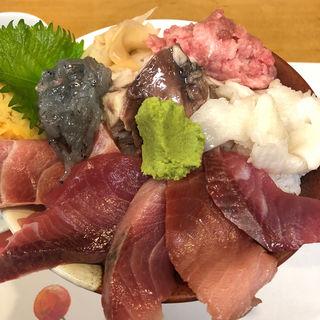 あじわい丼(たぬきすし)