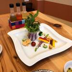 糸島有機野菜とプロシュートサラダ