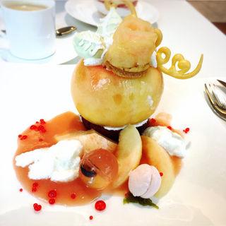 桃のプレートデザート(タカノフルーツパーラー 新宿本店)