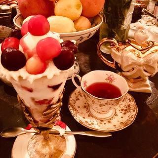 季節のパフェ(カフェ シャンソニエ アコリット)