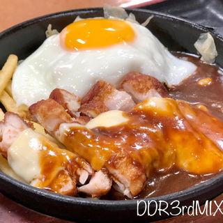 たっぷりチーズのデミソースチキン定食(宮本むなし 姫路店 )