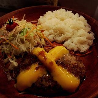 チーズバーグディッシュ(150g)(びっくりドンキー 新宿靖国通り店 )