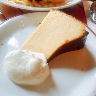 バスクチーズケーキ(シクスバイオリエンタルホテル)