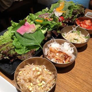 18種野菜のサムギョプサル食べ放題(サムギョプサルと野菜 いふう 銀座マロニエゲート店 (イフウ))