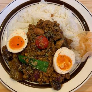 ナスと豆と特製たまごトリプルキーマカレー(ダメヤ )