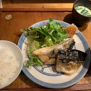 塩サバ定食(かんすけ薬院店)