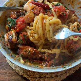 イカと大蒜とベーコントマトペペロンチーノ(La Festa)