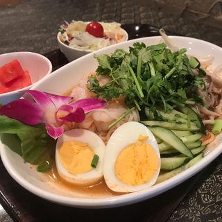 期間限定!冷やしトムヤム麺(アジアンバールアンドカフェ キーマオキッチン. (ASIANBAR&CAFE keemao kitchen.))