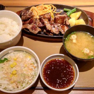 特カットステーキ定食(やよい軒 (ヤヨイケン))