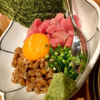 まぐろ納豆(うどん居酒屋 二○加屋長介 JRJP博多ビル店)