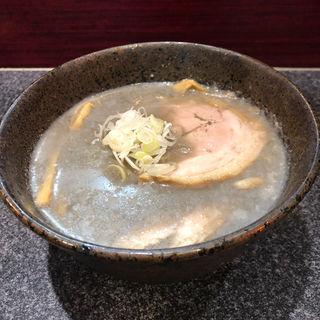 つめたい魚三(別邸三く 豚骨らーめん真真(マシーン))