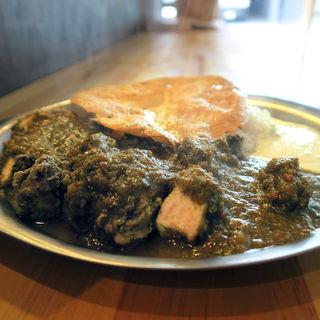 緑のマサラ チキンカレー(TORI FOOD by トリ風土研究所)