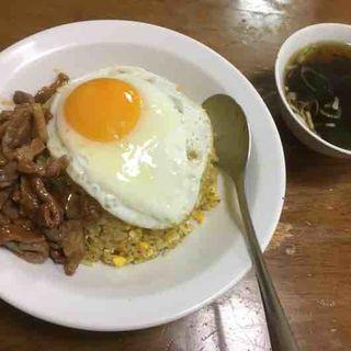 肉チャーハンイエローカレー(北海屋 (ホッカイヤ))