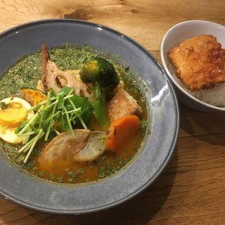 チキンと野菜のスープカレー+ザンギ(スープカレー鳩時計)