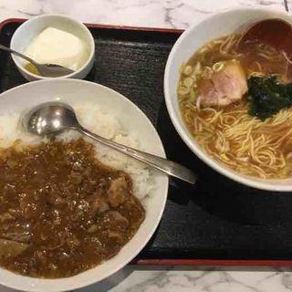 牛すじカレー&ラーメン(雁川 (がんせん))
