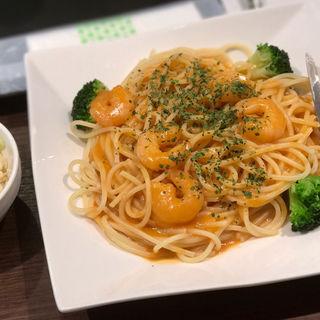 エビのトマトクリームソース(ミニサラダ/ドリンク付き)(TastyCafe)