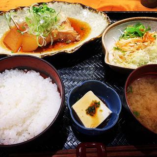 カジキマグロ煮付け定食(さかなさま 大手町店)