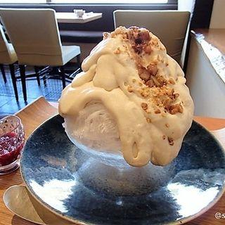 栗のエスプーマベリーソース添え(茶匠 清水一芳園 京都本店)