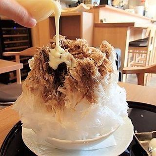 黒蜜生姜ミルク に白玉トッピング(和食 香穂)