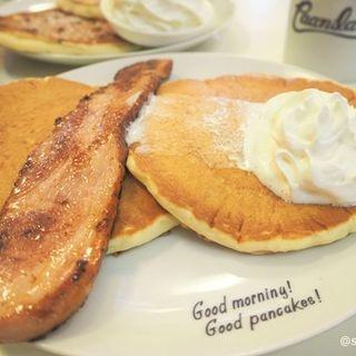 ステーキベーコンパンケーキ(ハワイアンパンケーキハウス パニラニ (Hawaiian Pancakes House Paanilani))