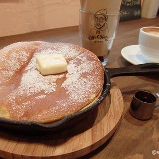 メープルパンケーキ(asipai + HIBICOFFEE KYOTO (アジパイ+ヒビコーヒー))