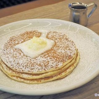 ORIGINAL BUTTERMILK PANCAKES オリジナル バターミルク パンケーキ(MOTION DINER KYOTO (モーション ダイナー))