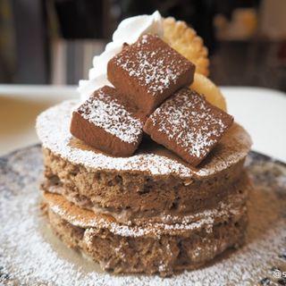 冬のパンケーキ 自家製生チョコとバニラアイスのカフェモカパンケーキ(カフェ アリエッティ (Cafe ARRIETTY))
