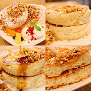ふわふわパンケーキ(プレーン)(プラッフィー カフェ (PLUFFY CAFE))
