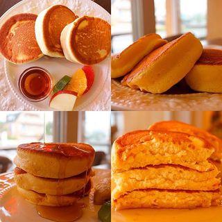 【日本一美味しいパンケーキ】ふわふわパンケーキ バナナソテー添え