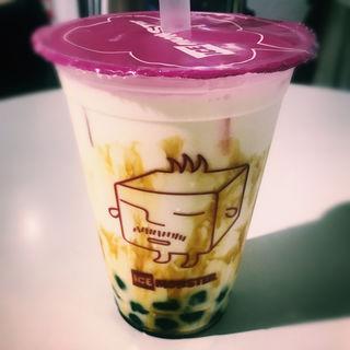 ハニーブラウンシュガーミルク+タピオカ(THE GUEST cafe&diner 福岡パルコ店)