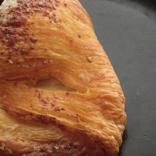 カマンベールチーズクロワッサン包み(いちかわ製パン店 )