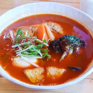 チキンスープカレー(スープカレー トムトムキキル (soup curry tom tom kikir))