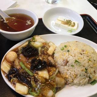 五目うま煮炒飯(横浜飯店 )
