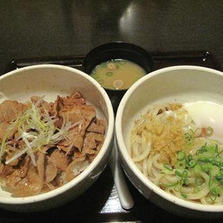 帯広名物・豚丼と釜玉うどん(大衆居食家 しょうき 大橋店)
