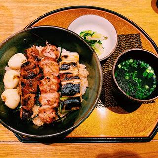 炭焼き 焼き鳥丼(新橋 鶏繁 どんぶり子)