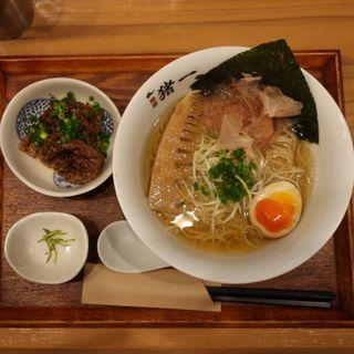 炙り和牛の追い鰹そば(白醤油)(麺屋猪一離れ)