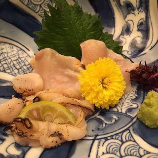 蛤の刺身(桑名産天然蛤料理 貝新商店 (クワナサンテンネンハマグリリョウリ カイシンショウテン))