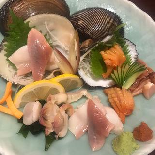 赤貝とホッキ貝のお刺身(もつ鍋 花よし (はなよし))